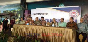 Suasana konferensi pers Tim Transisi Aman.