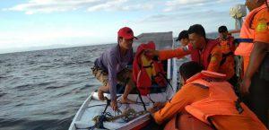 Basarnas Kolaka evakuasi Nelayan Kapal