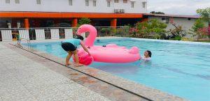 Kolam Renang di Hotel Fortune
