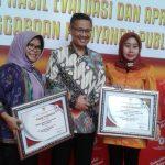 Plt Walikota Menerima Penghargaan dari KemenPAN RB