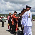 Bupati Wakatobi Terima Penghargaan dari Presiden