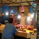 Satgas pangan saat mengecek harga daging di pasar Basah Mandonga