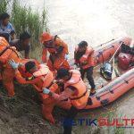 Proses evakuasi penambang pasir