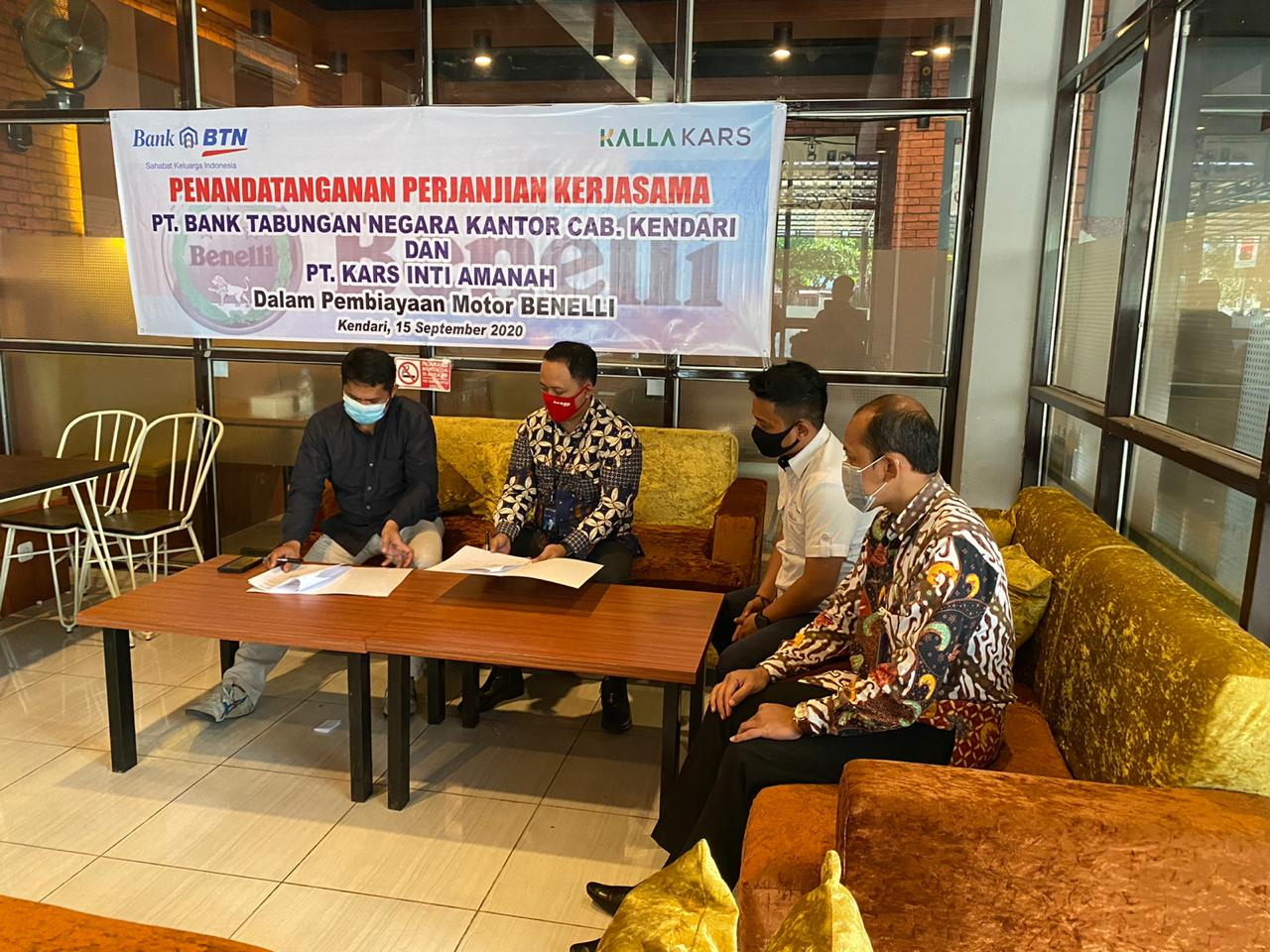 Photo of Beri Program Kredit, Kalla Kars Kendari Jalin MoU Bank BTN Cabang Kendari