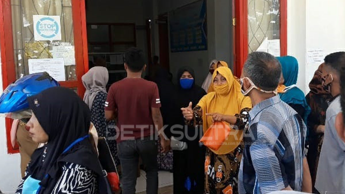 Photo of Dapat Lot Kosong, Pedagang Pasar Laino Ngamuk di Disperindag